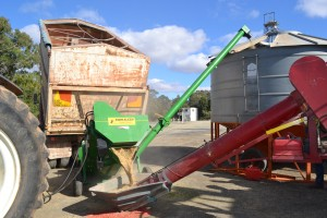 Eagle i Kwik Kleen Grain Cleaner