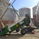 Eagle i Farm Machinery Kwik Kleen Grain Cleaner in action